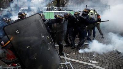 Venezuela pide a Francia dialogar y no reprimir a manifestantes