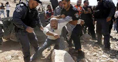 À qui le tour ? Des milliers de Palestiniens risquent l'expulsion après la démolition de Khan al-Ahmar