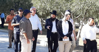 Les colons et la police israélienne prennent d'assaut Al-Aqsa