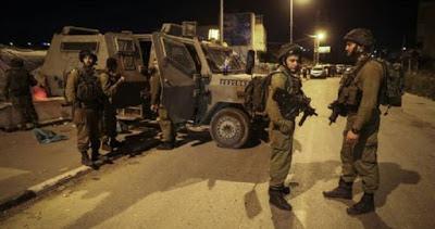 L'Occupation attaque les maisons palestiniennes à Yatta au sud d'Hébron