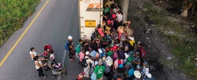 Messico, bimbi al confine marchiati sul braccio. Siamo complici anche stavolta?