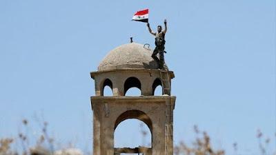 Ejército sirio toma la ciudad de Manbij e iza bandera nacional