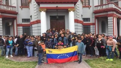 Venezolanos repatriados denuncian explotación laboral y xenofobia en Perú