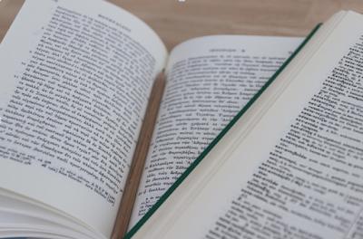 ¿Qué elementos se deben tomar en cuenta para realizar una traducción médica?