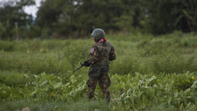 Thousands flee clashes between Buddhist group and Myanmar army