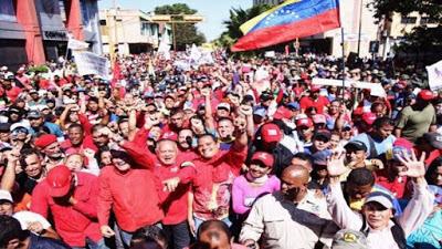 Marchan en Venezuela para respaldar al pdte. Nicolás Maduro