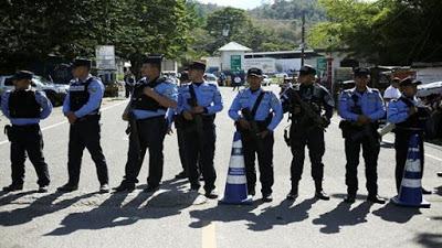Gobierno hondureño impide el paso de la caravana de migrantes
