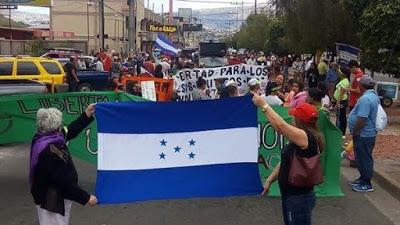 Hondureños marchan contra el Gobierno de Juan Orlando Hernández