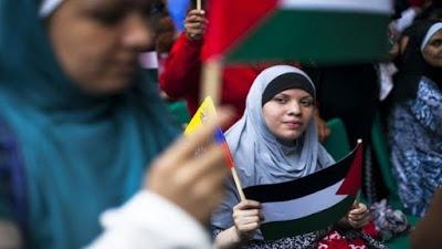 Joven palestina denuncia discriminación de aerolínea chilena