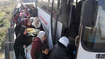 400 desplazados sirios retornan a sus hogares desde Jordania