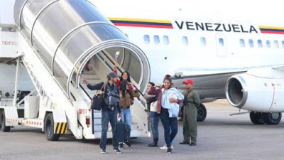 Venezolanos regresan a su país tras sufrir agresiones en Ecuador