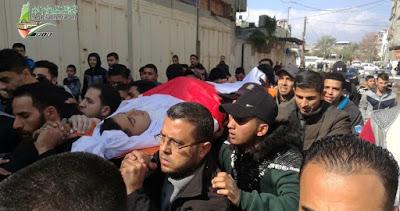 Les Gazaouis participent à l'enterrement d'un enfant tué par l'armée israélienne