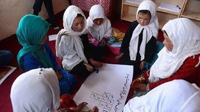 Afganistán presenta plan para educar a todas las niñas para 2030