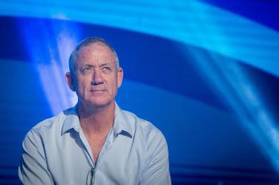 Gantz, il generale che bombardò Gaza sfida Netanyahu