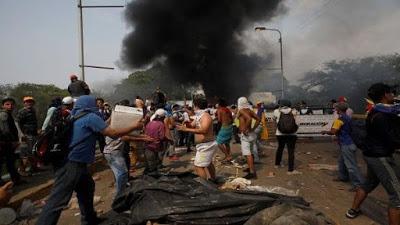 Fracasa el golpe del 23F en Venezuela, pero sigue la amenaza de agresión militar