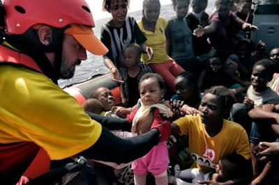 Bebés a cambio de una tregua en la aplicación del apartheid europeo: extorsión contra las mujeres migrantes, esclavismo capitalista
