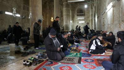 Israele: ebrei pregheranno sulla Spianata al Aqsa, proteste e scontri