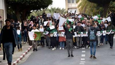 ALGERIA. Le proteste non scemano, oggi la marcia del Milione