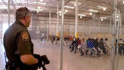EE.UU. pone en cuarentena a más de 2.000 migrantes