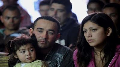 EE.UU. tardará hasta 2 años en reunir niños y padres migrantes