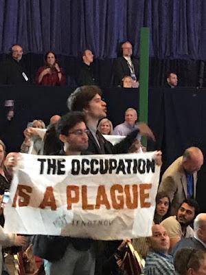 Trump interrompu par les jeunes juifs américains contre l'occupation