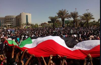 SUDAN. Bashir imprigionato ma le proteste continuano
