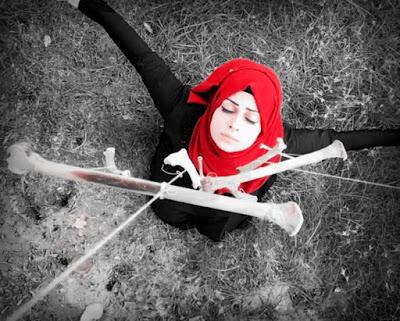 Fatimah, l'artista irachena che insegna la libertà alle donne