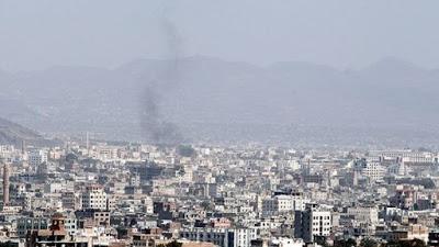 Reportan intensos bombardeos sobre la capital de Yemen