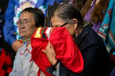"""Las mujeres indígenas de Canadá fueron víctimas de un """"genocidio"""" silencioso, según una investigación"""