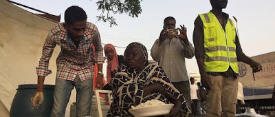 Sudán: Awadeya, esta vendedora de té que se convirtió en una figura destacada de la revolución