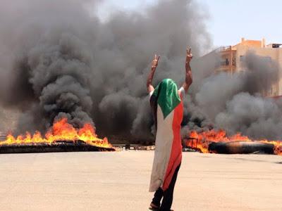 """Sudan, i militari reprimono nel sangue la """"primavera delle donne"""""""