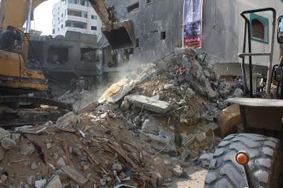 GAZA. Raid aereo israeliano oggi all'alba