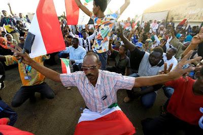 SUDAN. Opposizioni e militari riprendono il negoziato