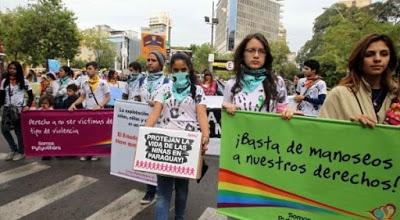 Niños y adolescentes marchan contra abusos sexuales en Paraguay