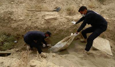 SIRIA. L'eredità dell'Isis: trovati altri 200 corpi in una fossa comune