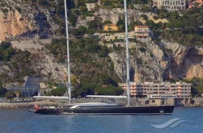Mohamed VI exhibe son voilier à 88 millions de $ en pleine vague de harragas marocains