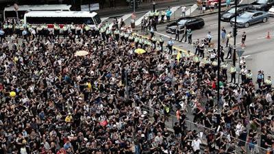 Hongkoneses vuelven a la calle contra la ley de extradición