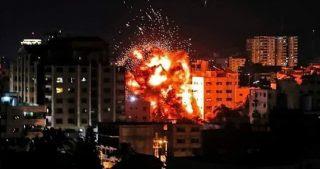 Bombardamenti aerei israeliani contro siti della resistenza palestinese a Gaza