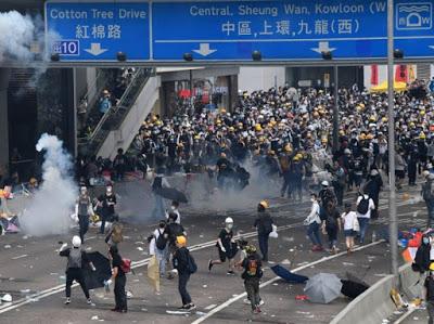 Hong Kong, Cachemira: una historia de dos ocupaciones