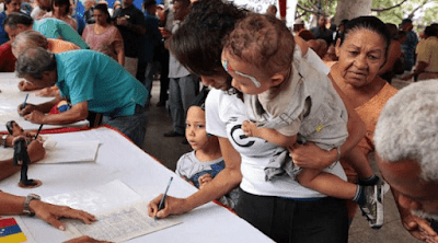 Avanza recolección de firmas en Venezuela contra bloqueo EE.UU.