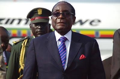 Mugabe, l'uomo che liberò lo Zimbabwe e poi lo fece prigioniero