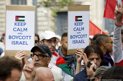 ll flirt israeliano con le stelle del calcio non fermerà il boicottaggio culturale