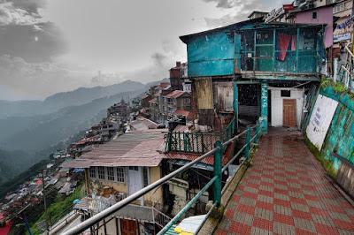 Coronavirus : La distanciation sociale, une blague cruelle pour les habitants des bidonvilles himalayens