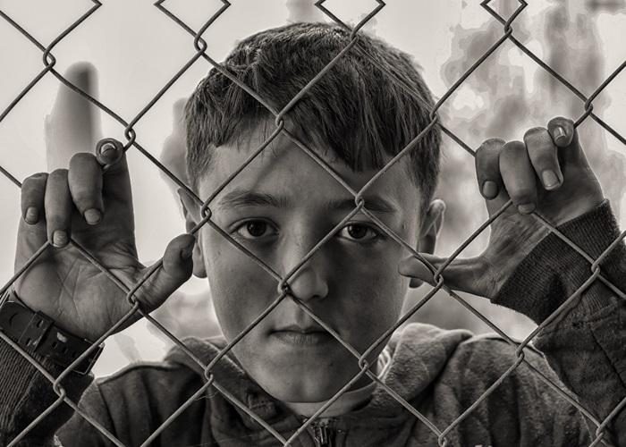 Bisogna proteggere i bambini musulmani come gli altri: appello di personalità ebraiche in Francia