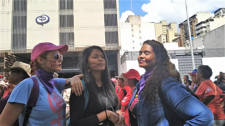 Alerta morada en Caracas: feministas contra la violencia y el acoso callejero